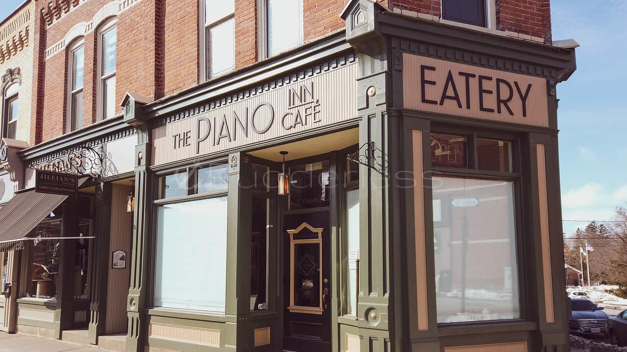 day trips from toronto - the piano inn cafe