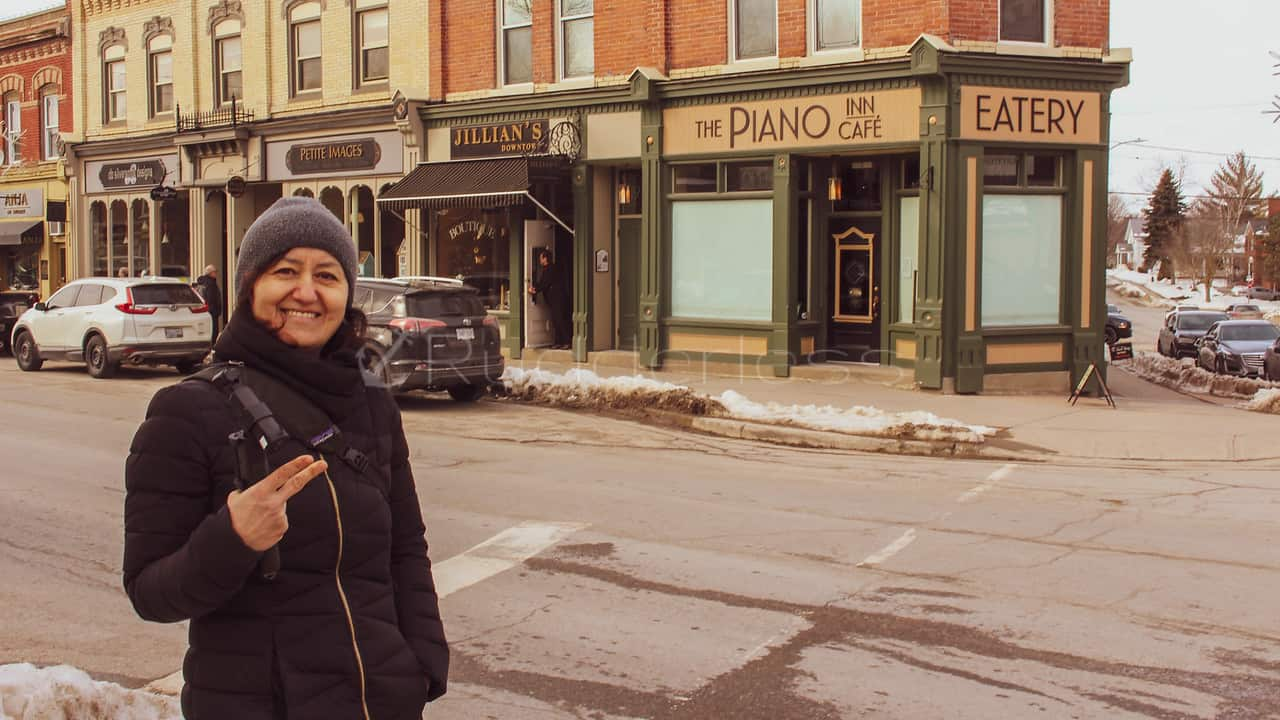 weekend trips from Toronto - Piano Cafe